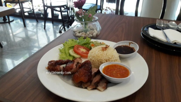 Crispy duck on rice Rosti resto cafe