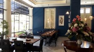 Rosti resto cafe jalan Pandanaran Semarang